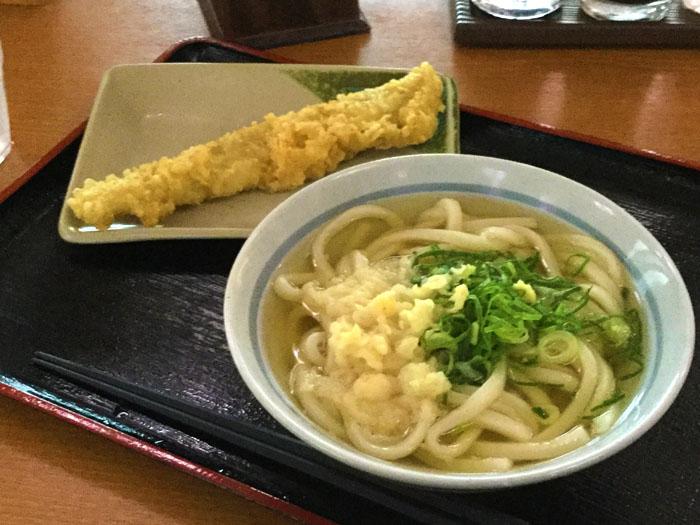 平成30年 香川県高松市 めりけんや高松駅前店 かけうどんと天ぷら