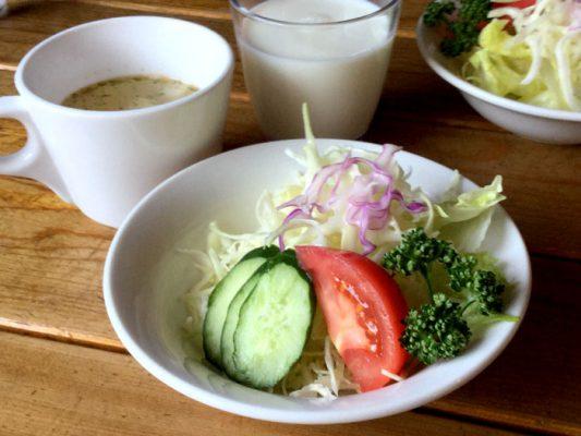 平成30年 七飯町 ランバーハウス サラダとスープ 大沼牛乳